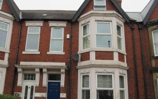 Large double room in shared accommodation, Wingrove Road, Fenham, NE4 9BP