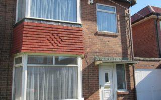 3 Bedroom Semi Detached House, Ewbank Avenue, Fenham, Newcastle Upon Tyne, NE4 9NY