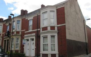 3 Bedroom Upper floor flat, Wingrove Gardens, Fenham, NE4 9HS